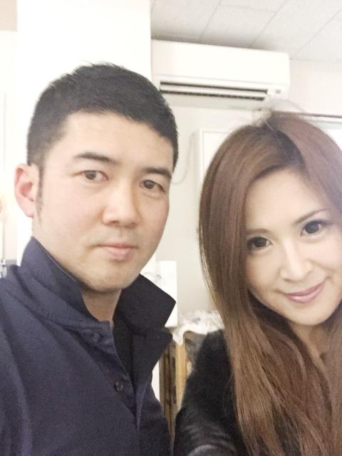 モデルの越野矢素子さんも笑顔に!
