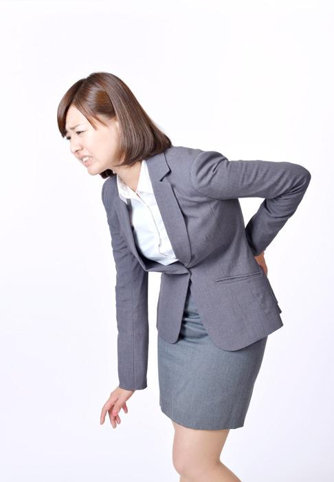 坐骨神経痛が酷い女性。